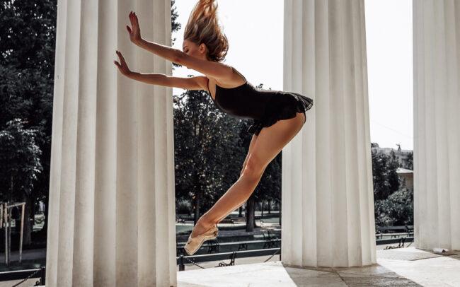 Natascha Mair, principal dancer from Vienna, photoshoot in the streets of Vienna. Ballet Photography Budapest. Ballet Photography Vienna. Raul Duran